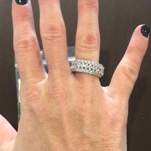Jewelry - Ladies diamond band ring
